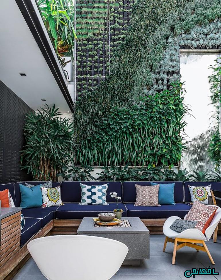 طراحی دیوار سبز در حیاط خلوت