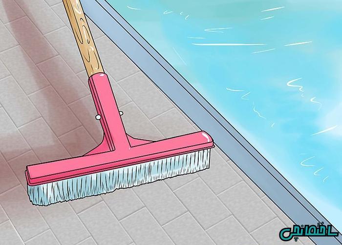 پاک کردن لبه استخر