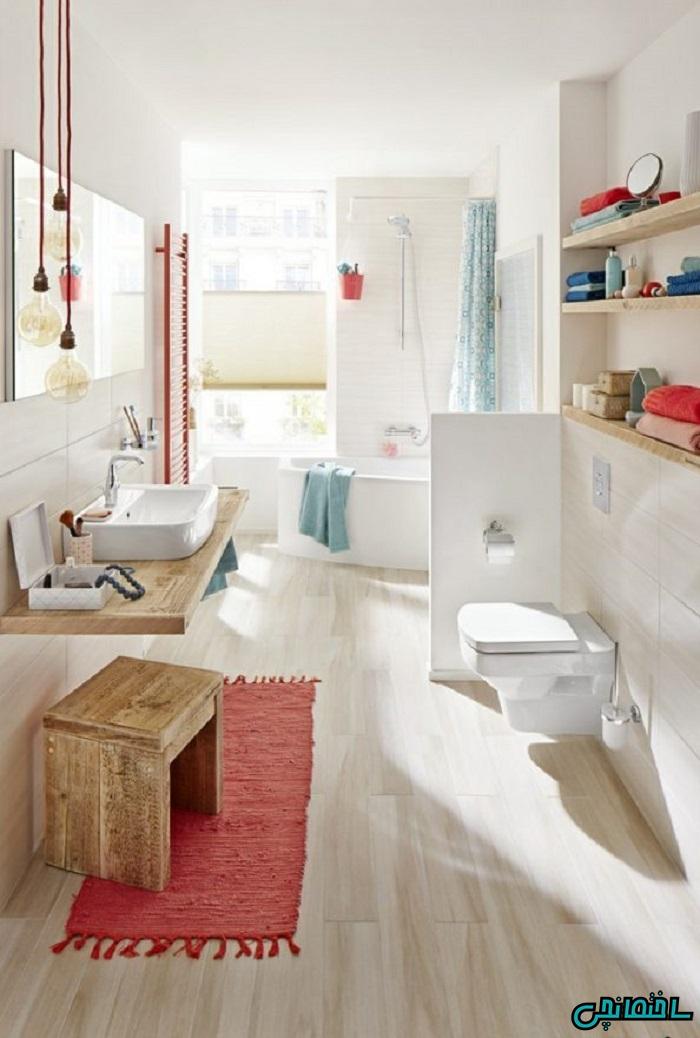 %عکس - جذابیت کاشی طرح چوب در حمام