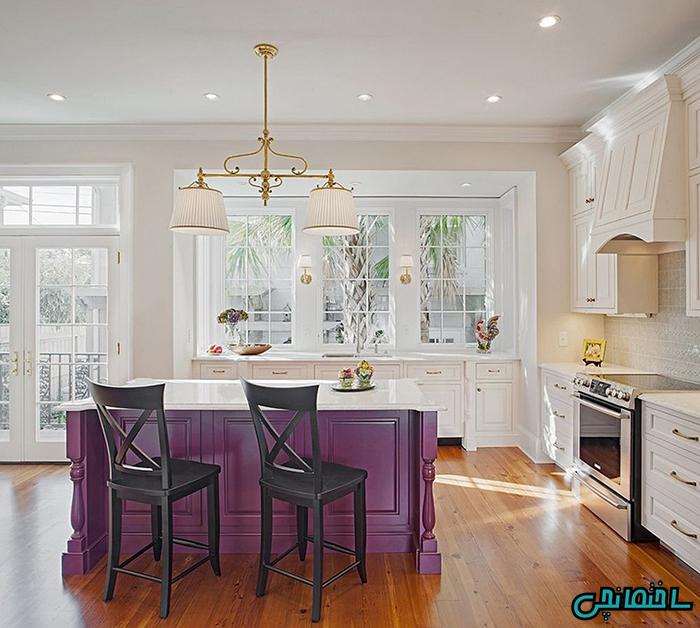 استفاده از جزیره به رنگ بنفش در آشپزخانه