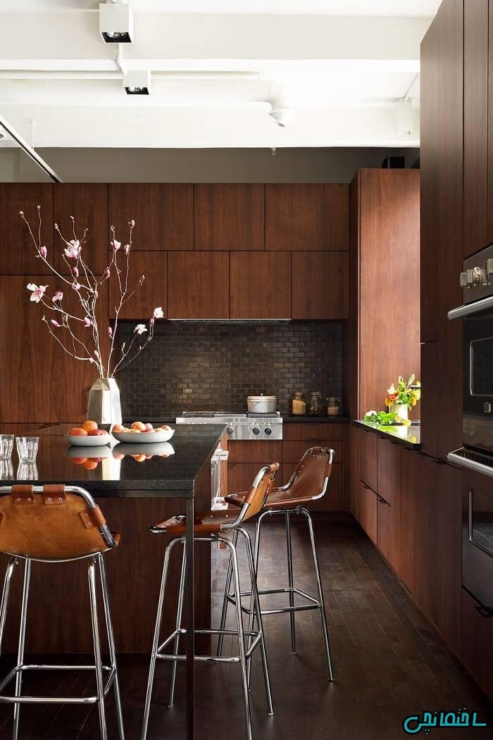 آشپزخانه با کابینت قهوه ای