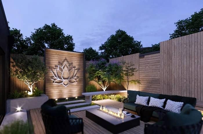 طراحی دیوار حیاط با چوب