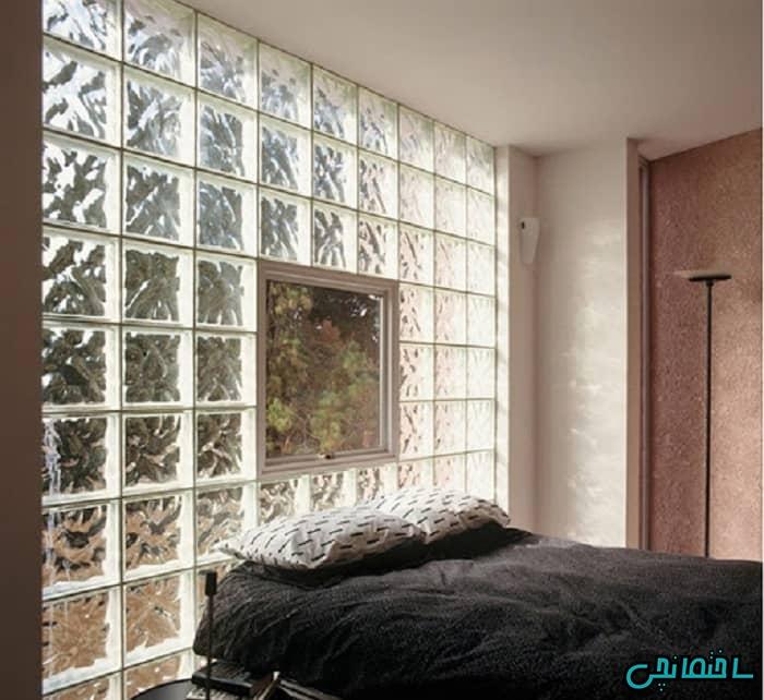 استفاده از تایل شیشه ای در دیوار پشت تخت خواب