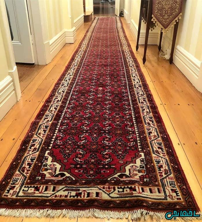 فرش دستباف در راهرو