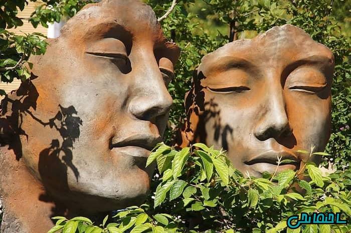پلنتر یا مجسمه های گلدانی برای باغ